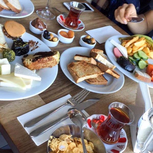 Çanakkale' de kahvaltı